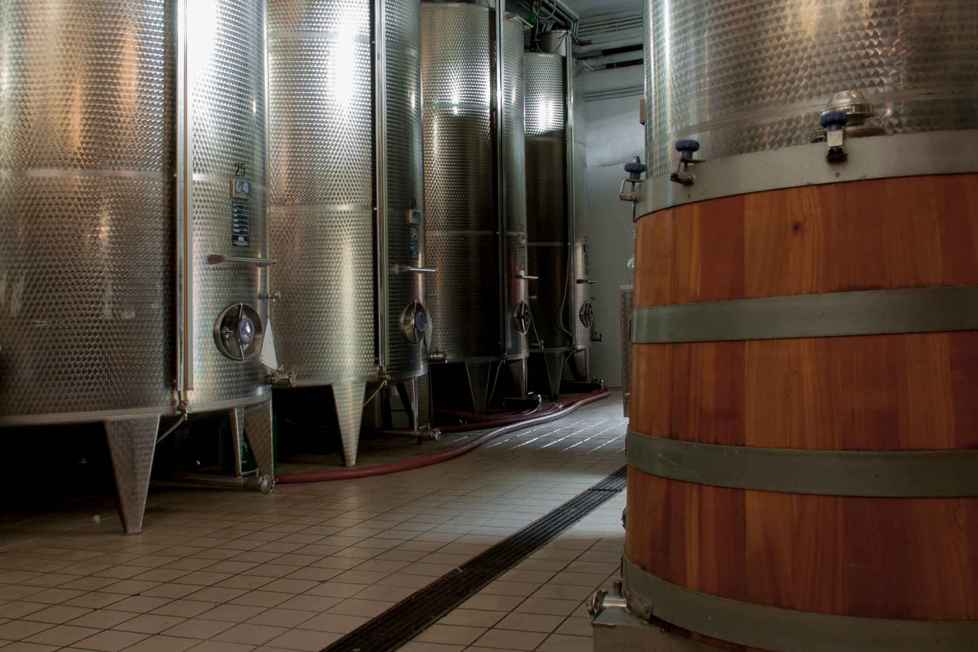inox stainless steel tanks of Cantine Astroni